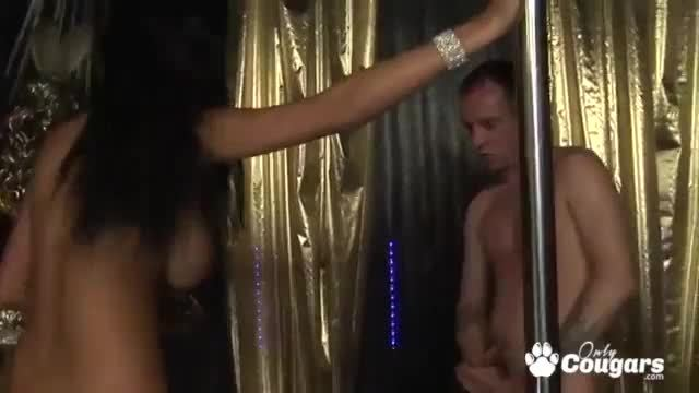 Kat And Kit Lee Share A Cock At The Strip Club