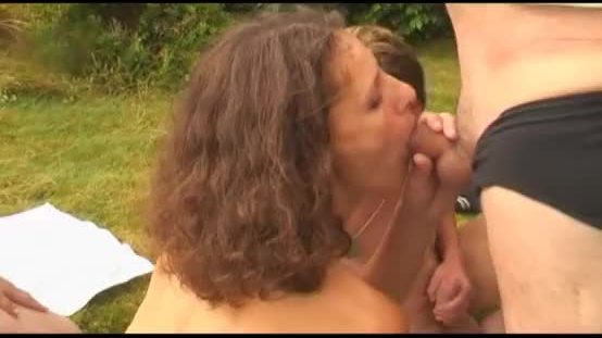 2 lesbian hairy milf fuck young and old man outdoor